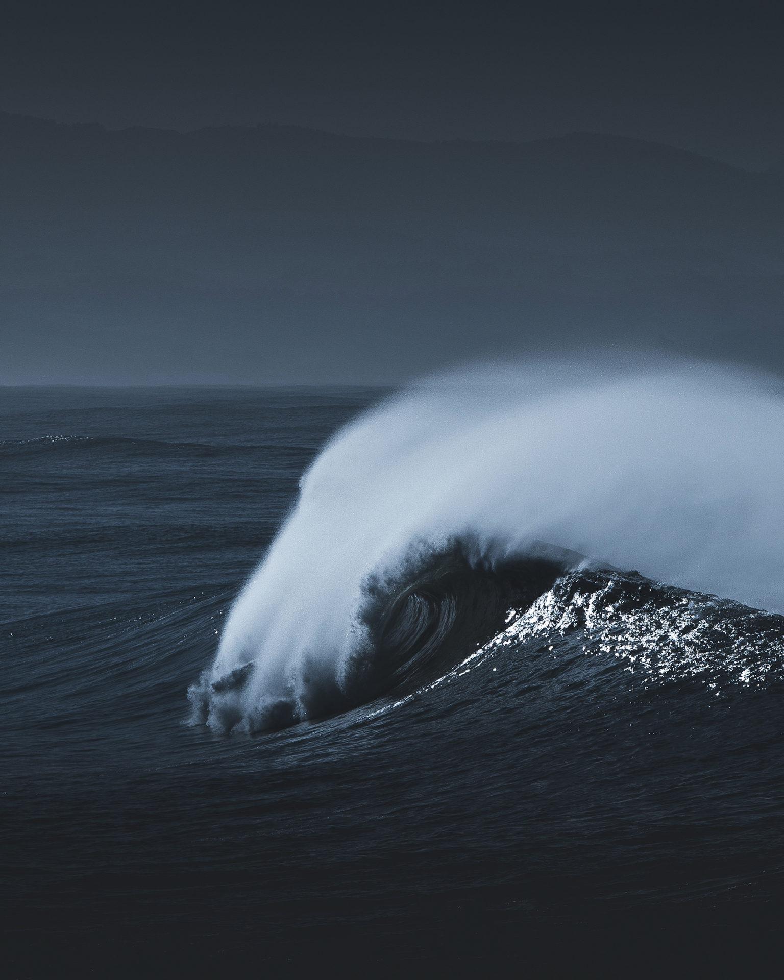 grosse vague dans l'ocean
