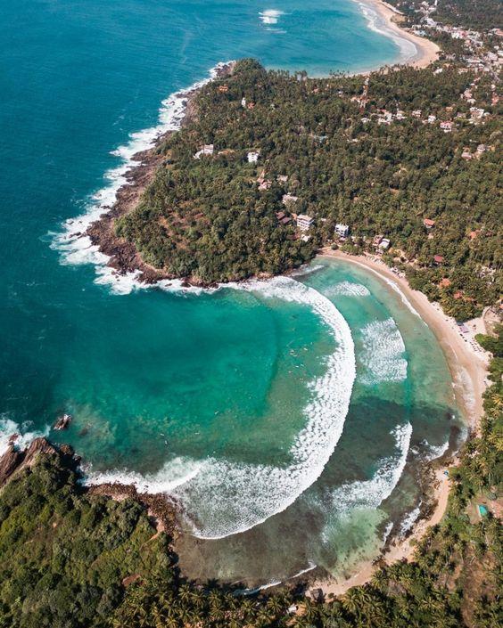 Hiriketiya Sri Lanka eau turquoise plage